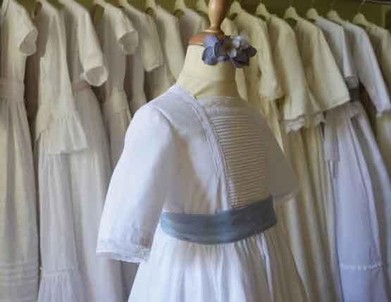 Vestido jareteado a mano www.leonorysofia.com
